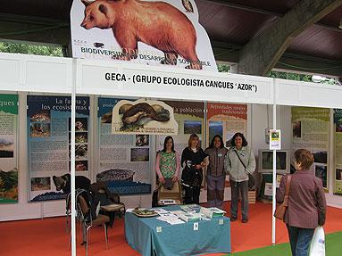 Stand del GECA con información y actividades didácticas.