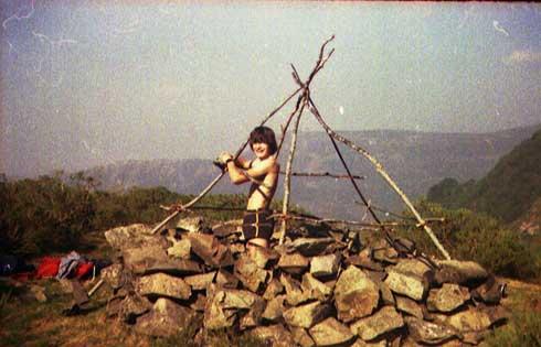 Muchas jornadas de monte, de acampadas, de aventuras por las montañas de Cangas llenaron nuestra infancia y juventud.